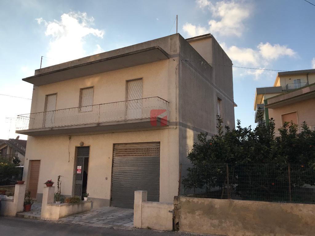 casa indipendente a Modica Via R. Partigiana