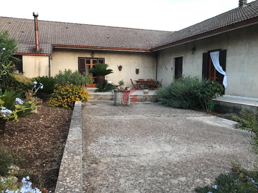 villa in vendita a Modica in contrada Mauto